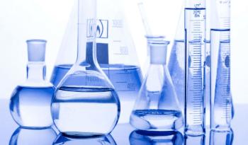 diferença entre água destilada e desionizada